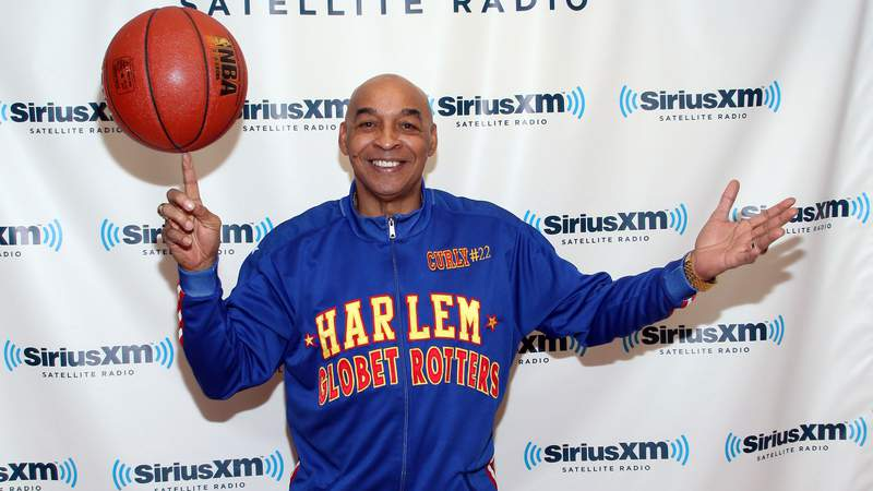 """Harlem Globetrotter Fred """"Curly"""" Neal visits SiriusXM Studio on February 13, 2012 in New York City. (Photo by Taylor Hill/Getty Images)"""