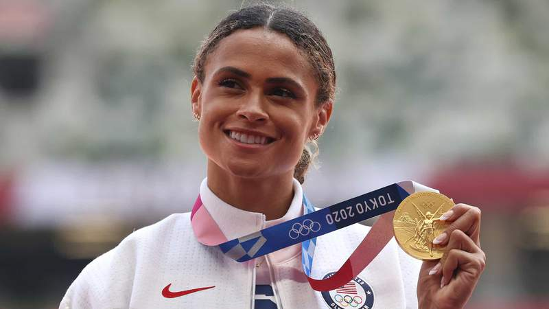 Gold medalist Sydney McLaughlin of Team United States poses during the medal ceremony for the Women's 400m Hurdles Final on day twelve of the Tokyo 2020 Olympic Games at Olympic Stadium on August 04, 2021 in Tokyo, Japan.