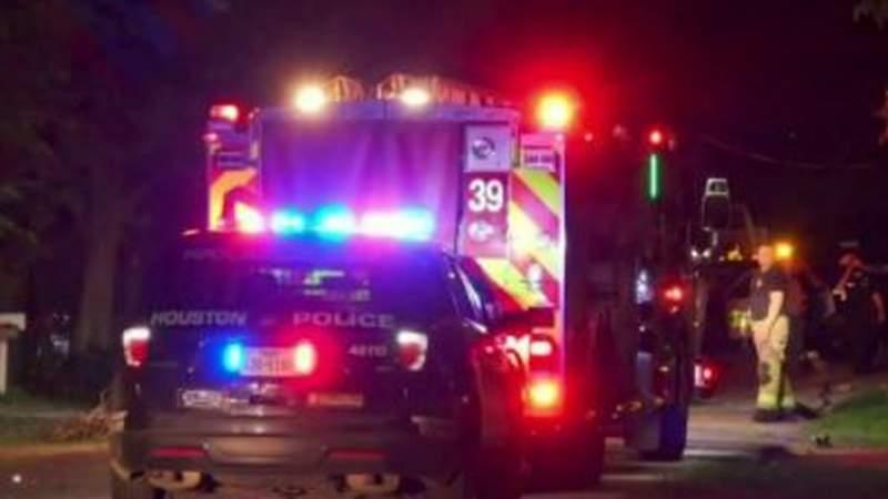 Man suspected of killing girlfriend in crash in northeast Houston, police say