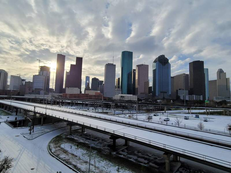 A look at the Houston skyline during this snow day