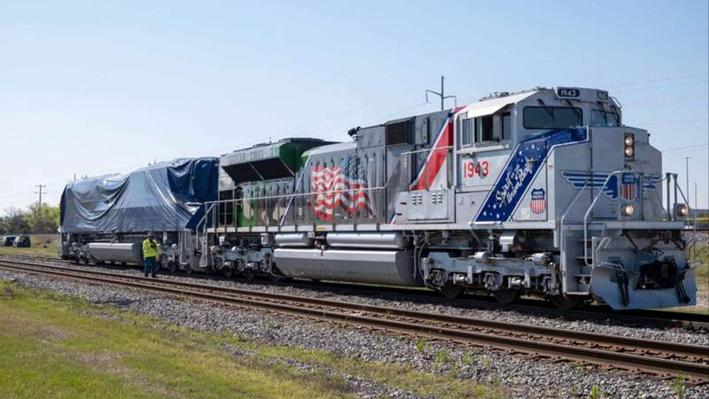 A blanketed No. 4141 pulled into College Station on Sunday morning behind another iconic UP locomotive, No. 1943 – The Spirit, which honors U.S. military veterans.