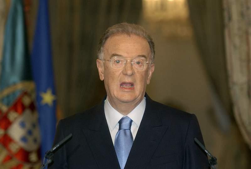 Photo of Jorge Sampaio, former president of Portugal, dies at 81   KPRC