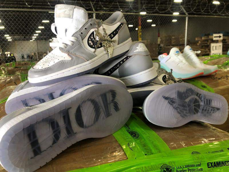 chaussures nike air jordan dior