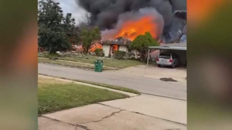House explosion in southeast Houston
