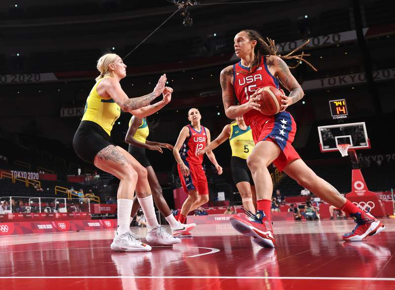 SAITAMA, JAPAN - AUGUST 04: Brittney Griner #15 of Team United States drives to the basket against Cayla George #15 of Team Australia during the second half of a Women's Basketball Quarterfinals game on day twelve of the Tokyo 2020 Olympic Games at Saitama Super Arena on August 04, 2021 in Saitama, Japan. (Photo by Gregory Shamus/Getty Images)