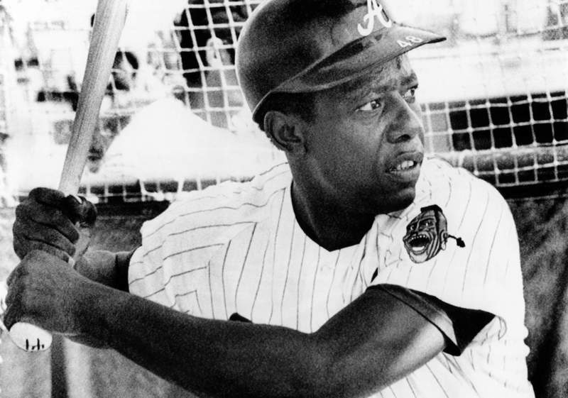 WEST PALM BEACH, FL - MARCH 5:  Hank Aaron #44 of the Atlanta Braves takes batting practice before an MLB Spring Training game on March 5, 1972 in West Palm Beach, Florida.  (Photo by Bruce Bennett Studios via Getty Images Studios/Getty Images)