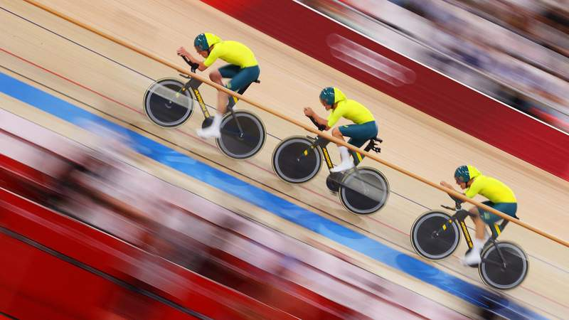 IZU, JAPAN - AUGUST 03: Matthew Richardson, Nathan Hart and Matthew Glaetzer of Team Australia sprint during the Mens team sprint first round, heat 2 of the Track Cycling on day eleven of the Tokyo 2020 Olympic Games at Izu Velodrome on August 03, 2021 in Izu, Japan. (Photo by Tim de Waele/Getty Images)