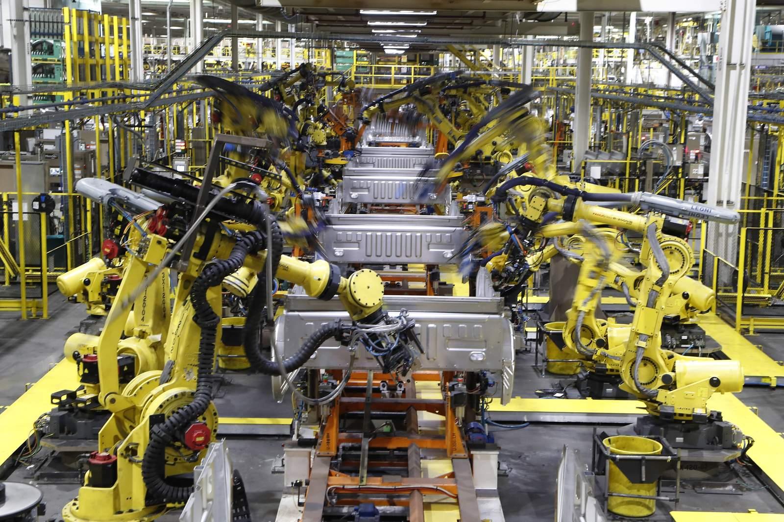 Contratos de fabricación el mes pasado en EE. UU. Y el mundo 27