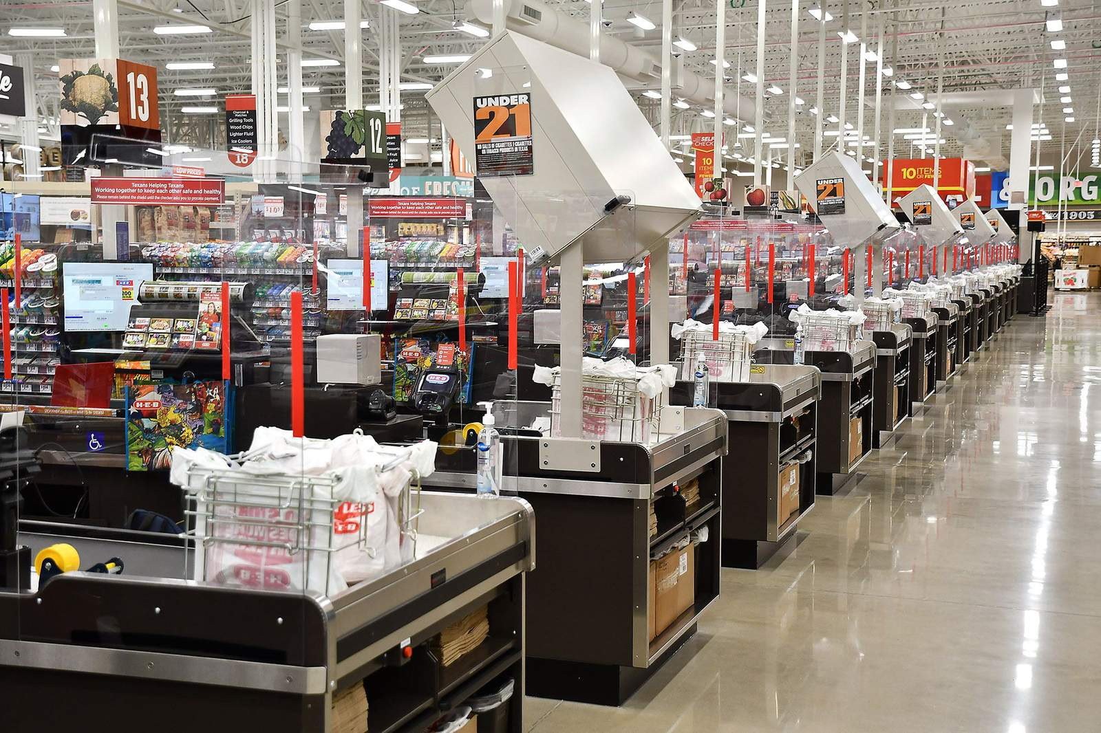 H-E-B limits rest room tissue, hand sanitizers and different merchandise amid COVID-19 pandemic - KPRC Click2Houston thumbnail