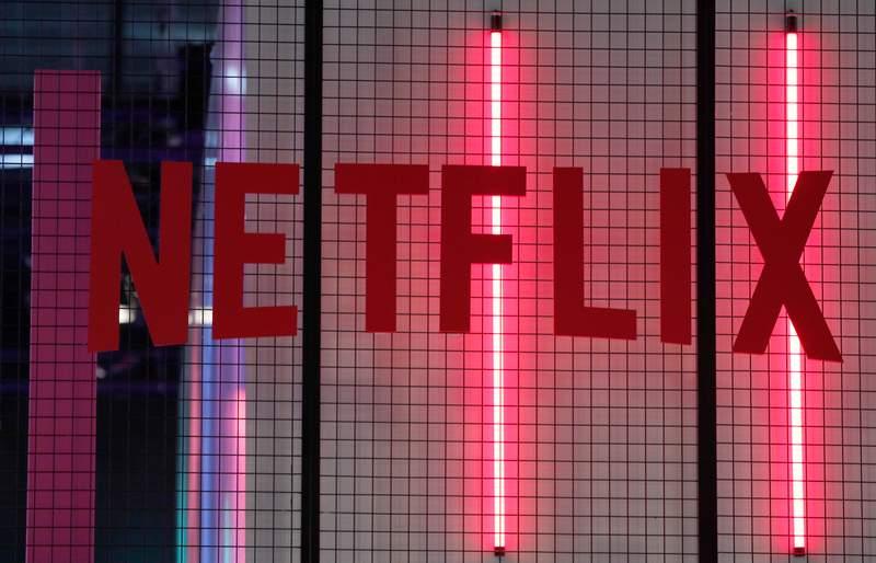 El logotipo de Netflix en Pars, el 4 de noviembre de 2017. (AP Foto/Christophe Ena, File)
