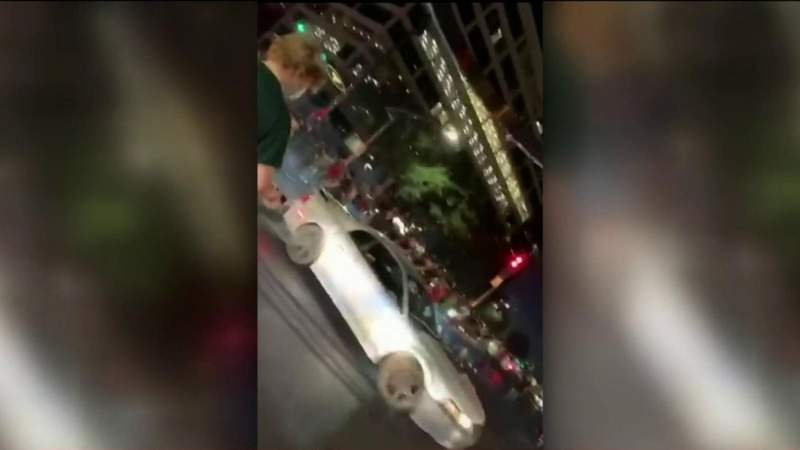 WATCH: Street racers shut down Westheimer and Sage intersection to do stunts