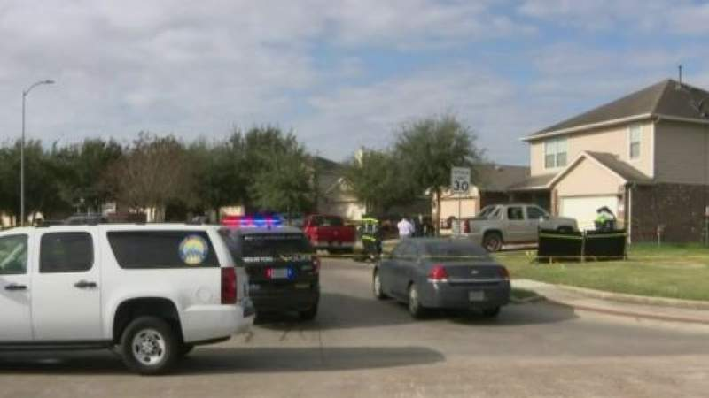 Man killed by thief breaking into his car in southwest Houston, police say