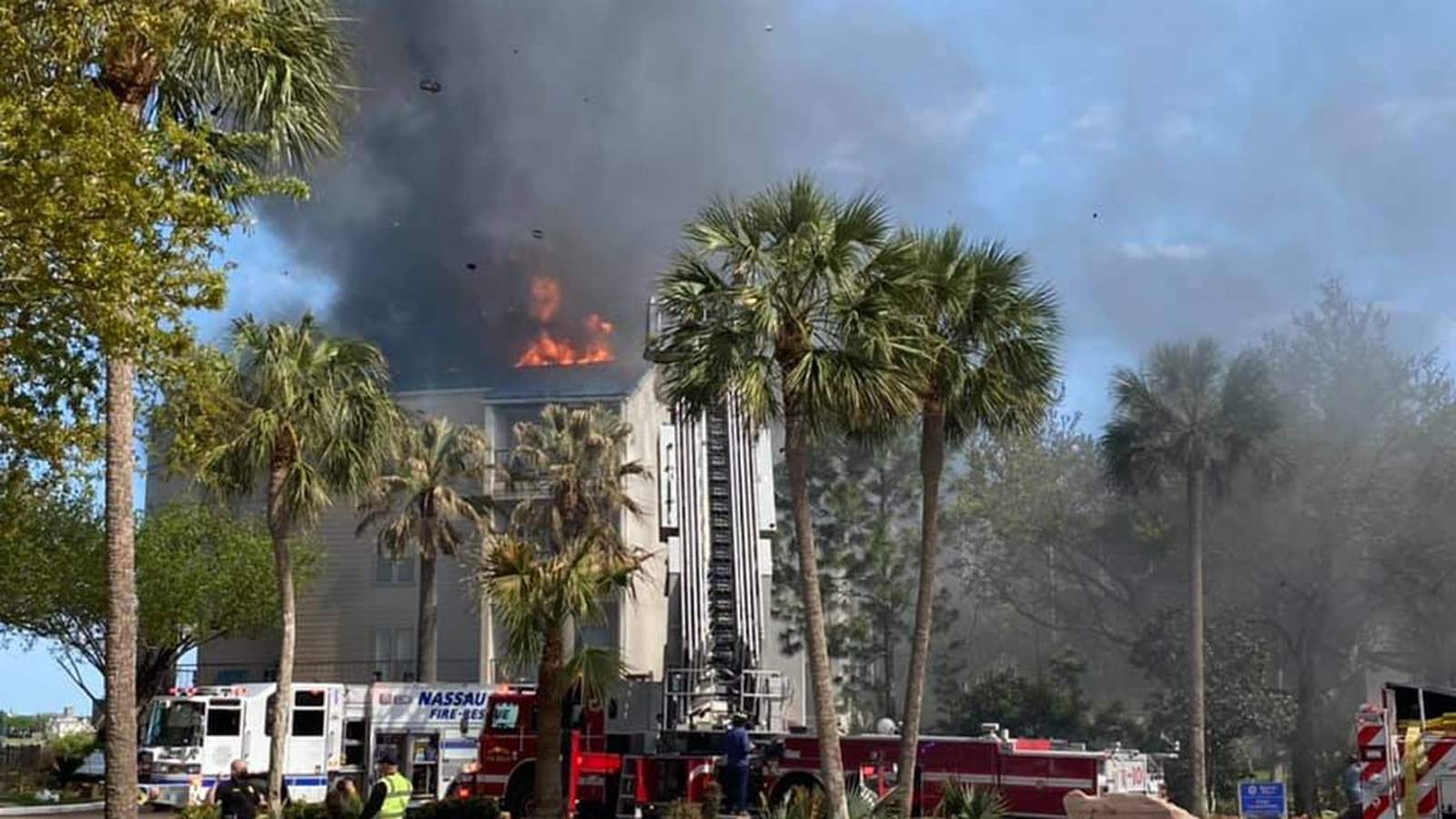 Large fire reported at condominium in Nassau Bay