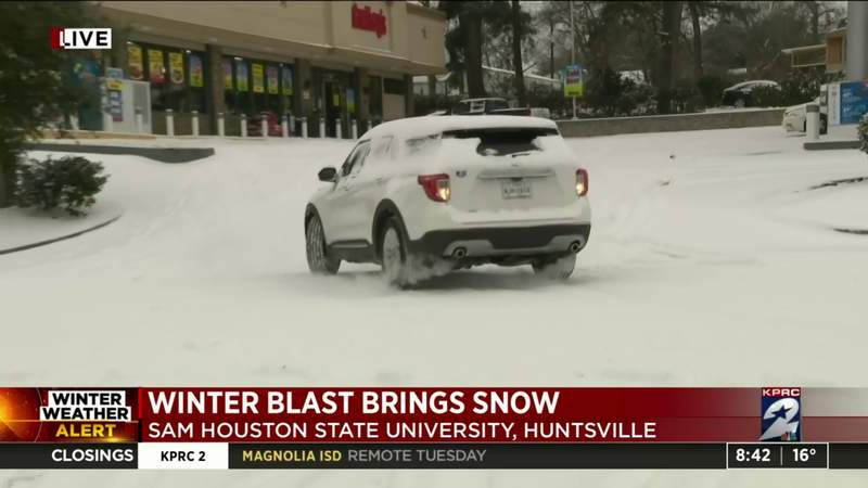 Winter blast brings snow in Huntsville