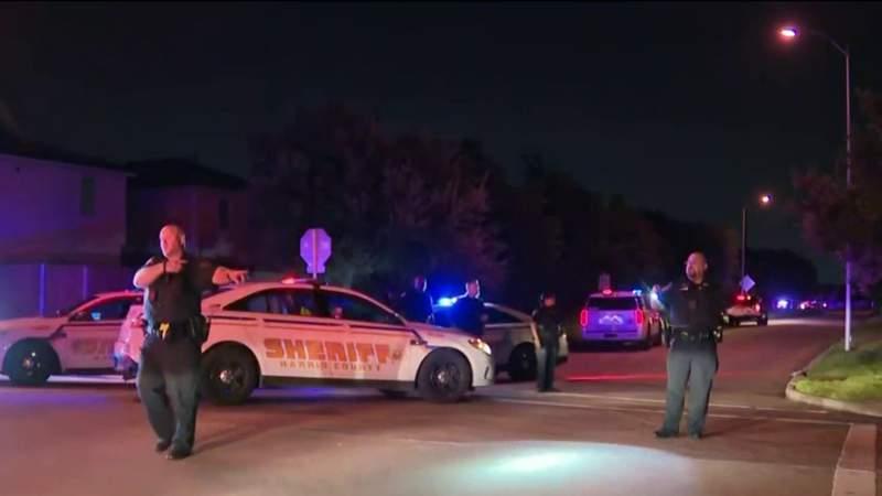 Suspect in custody after woman killed, 2 injured in shooting in Katy. deputies say