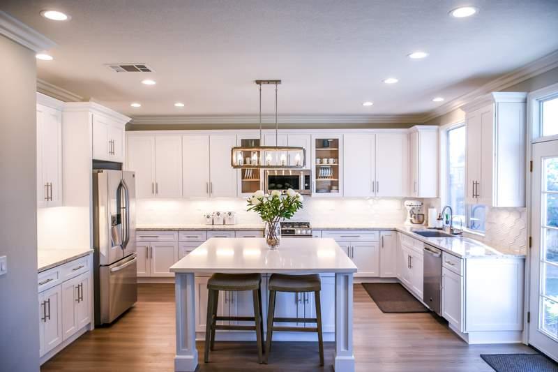 A clean, gorgeous kitchen.