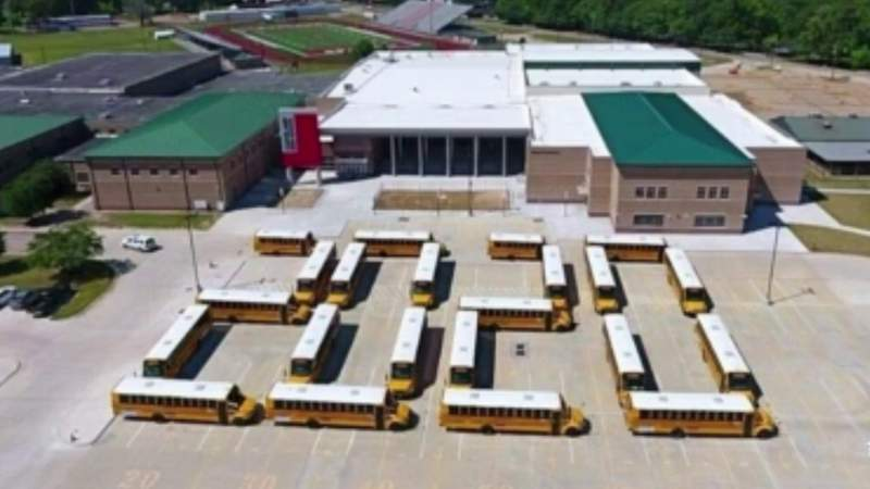 Alief, Cleveland and Fort Bend ISD say goodbye to class of 2020