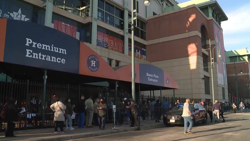 All 2,600 new appointments taken; Minute Maid Park to again serve as vaccine megasite this weekend