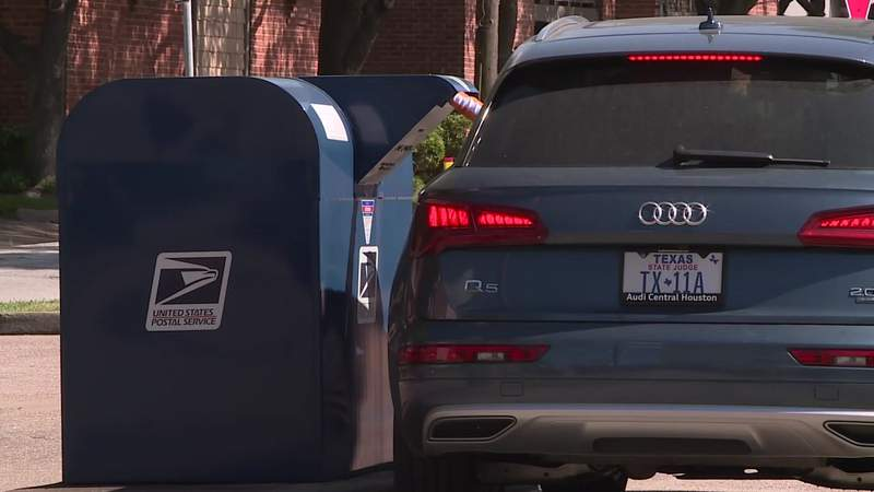 Theft investigation underway after mail goes missing in River Oaks area