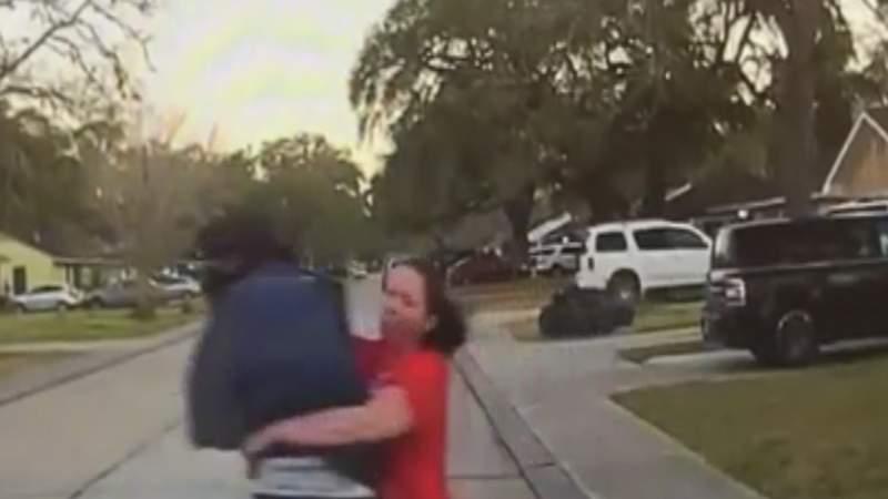 Mom tackles man suspected of peeking in daughter's window