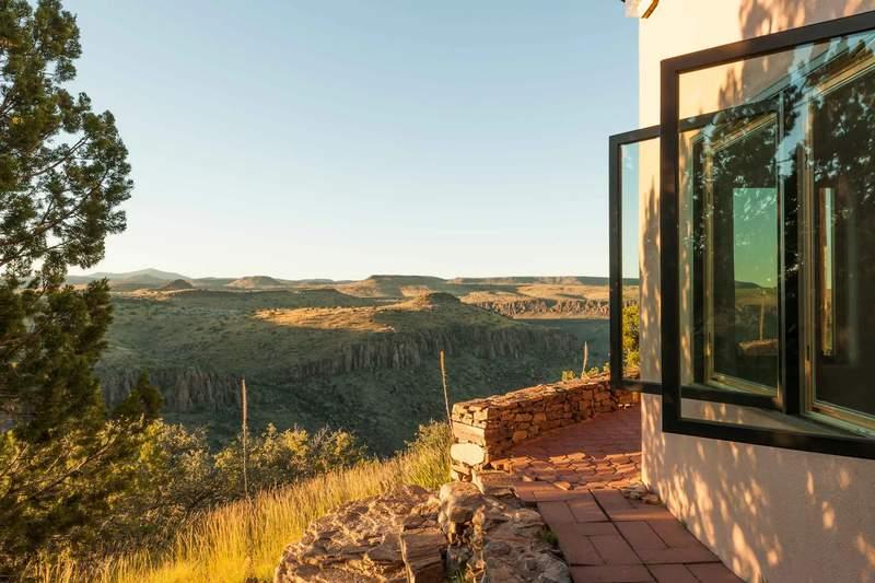 Lodge overlooking the Davis Mountains