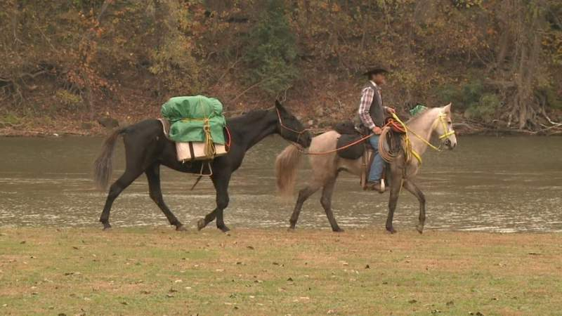 Cowboy riding 400 miles on horseback to raise awareness for cancer in memory of father