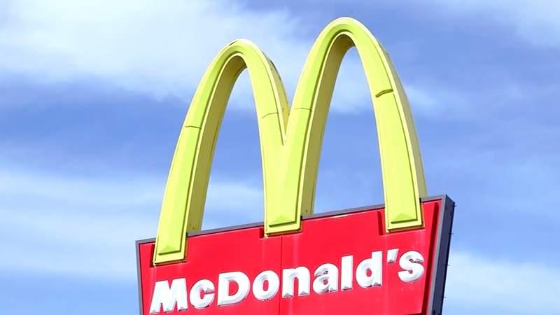 A McDonalds sign