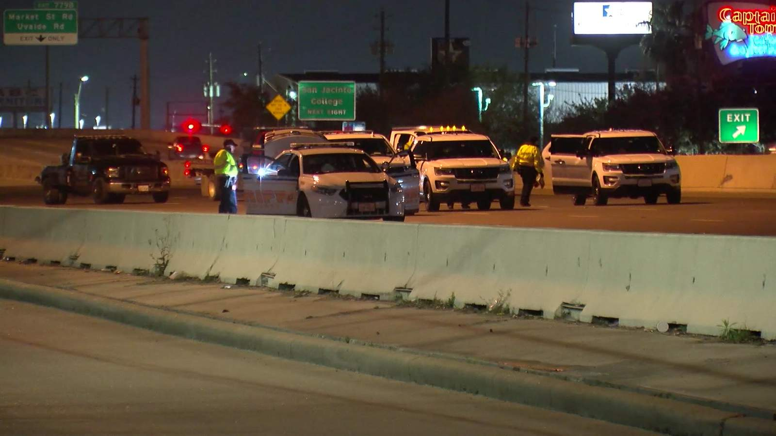 HCSO: Eastbound lanes of East Freeway near Beltway 8 closed after pedestrian hit and killed