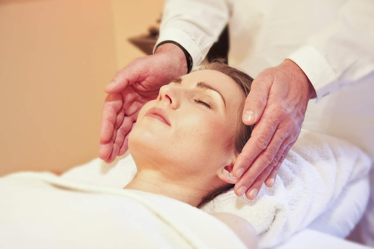 Conozca la terapia de la piel y el alma de Amara, quien dice que puede realizar parte de su trabajo de energía virtualmente 2