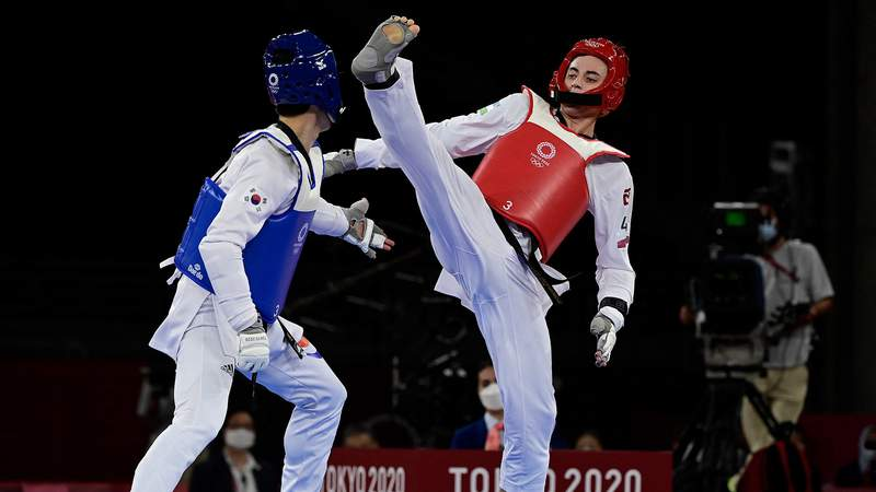 Lee Daehoon was knocked out of Olympics taekwondo competition sooner than expected.