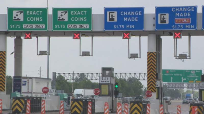 Why aren't all the lanes open at West Beltway toll booths?