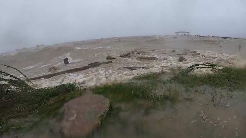 Alabama coastal residents prepare ahead of Hurricane Sally landfall