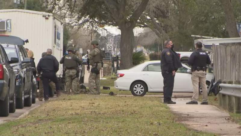 8-hour standoff with deputies after eviction notice served
