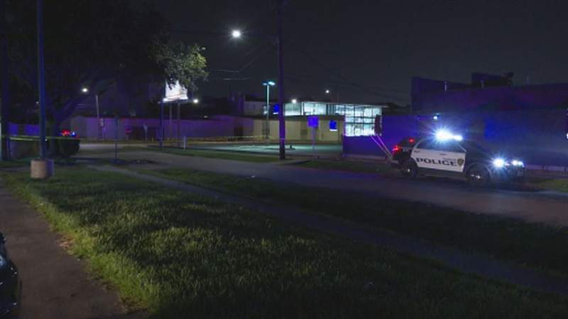 Man dies following fight outside Houston club, police say