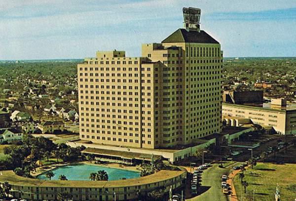 Shamrock Hotel Postcard