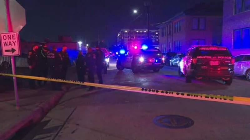HPD: Man shot to death in Midtown