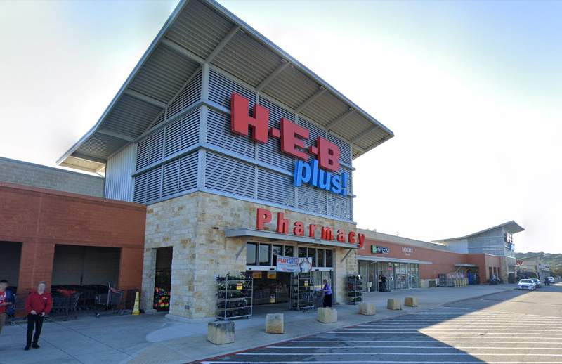 H-E-B store at 20725 TX-46 in Spring Branch.