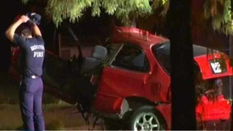 Man dead after car splits in half while street racing in N. Houston: Police