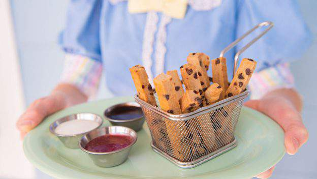 Disney Parks Blog just released its recipe for cookie fries from the Beaches & Cream Soda Shop.