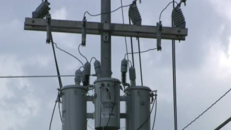 Nearly 200 miles away from the eye of Laura, Houston area customers face hours of power loss