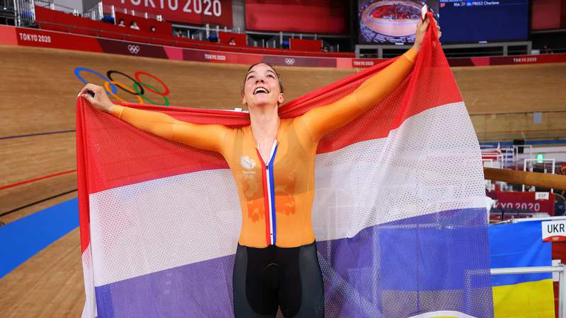 Shanne Braspennincx raises her eyes to the velodrome roof after winning the women's omnium Thursday.