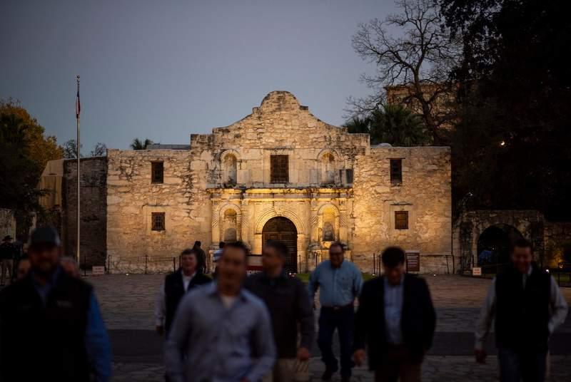Visitors crossed the street away from the Alamo in San Antonio on Jan. 7, 2019.