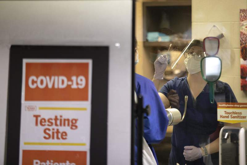 Public health experts say Texas universities should increase testing of all students to prevent community spread of the coronavirus as classes resume.                    Credit: Miguel Gutierrez Jr./The Texas Tribune