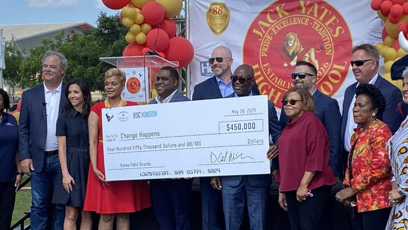Texans, NFL Foundation and LISC Award $450,000 to renovate field at Jack Yates HS