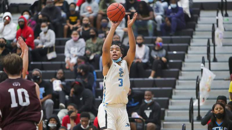 IN FOCUS: Shadow Creek keeps pace in district; drops Pearland