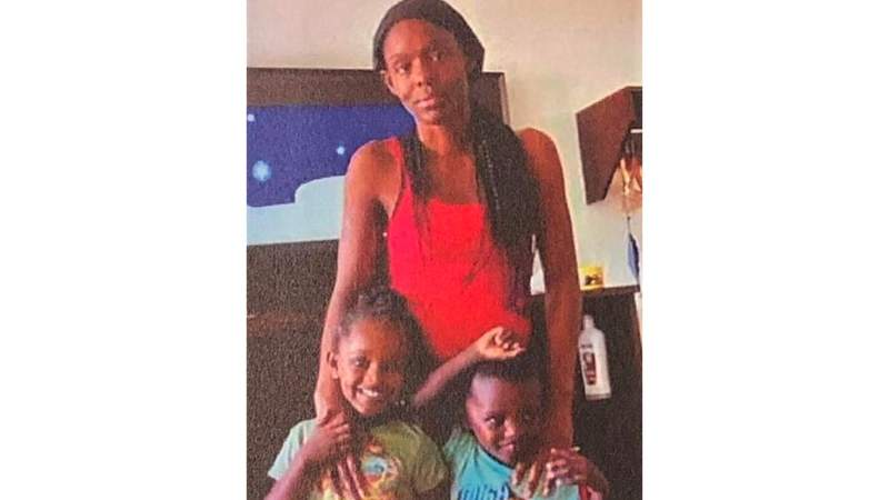 Police searching for mother, 2 kids missing in Houston