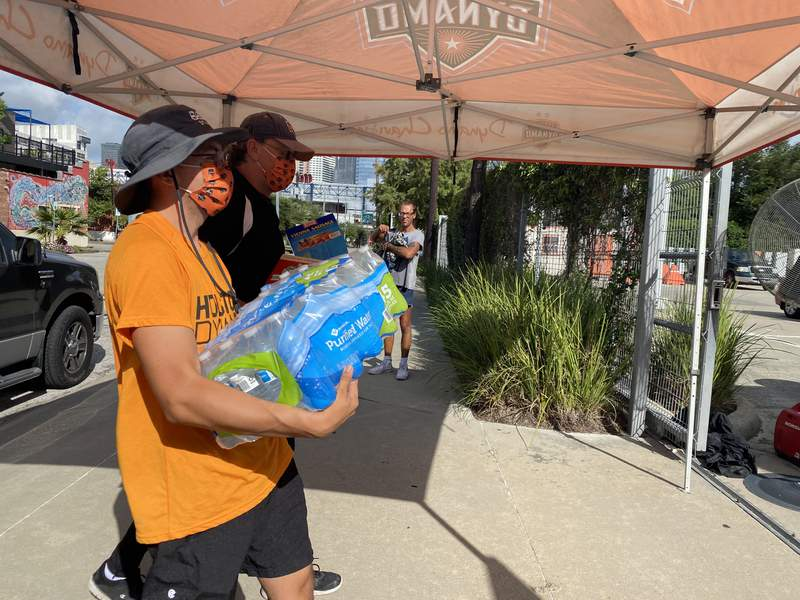 Houston Dynamo & Dash hosts food collection drive for Hurricane Laura victims
