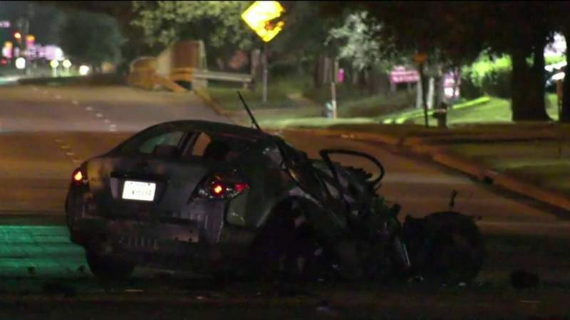 Passenger killed in car accident, police searching for driver