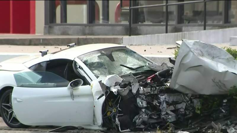 2 dead after Ferrari driver loses control, crashes into other vehicle on Westheimer, police say