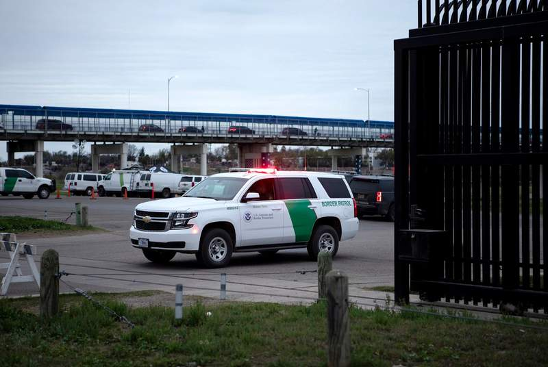 A U.S. border patrol vehicle is located at the entrance to Shelby Park in Eagle Pass. Access to the park is currently restricted, as a result of increased border patrol activity in the area. Feb. 8, 2019.